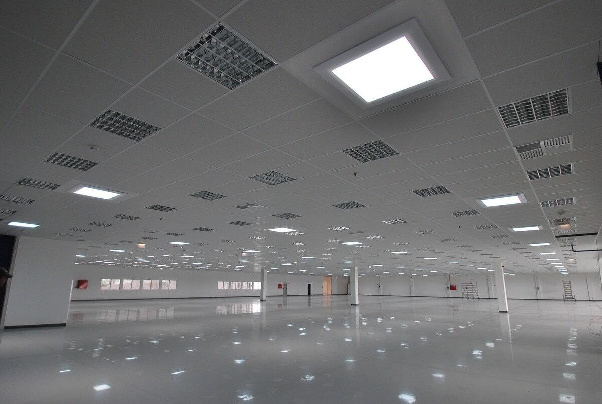 Svetlovody Sunway vo výrobných priestoroch Pall Vráble
