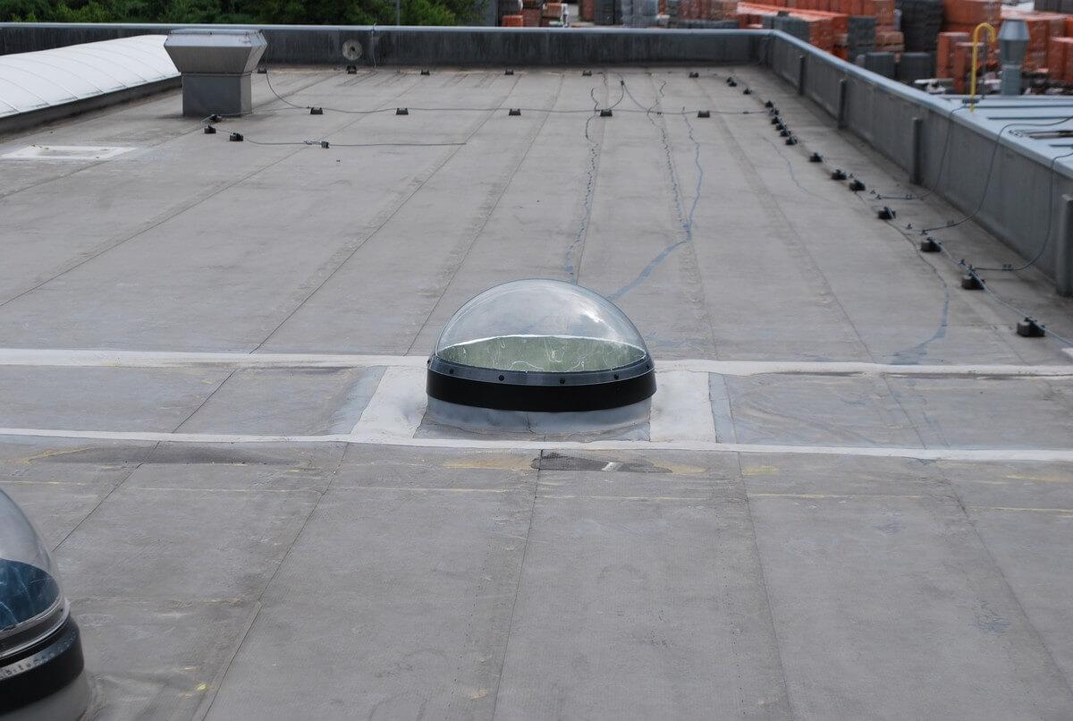 Svetlovod Sunway na streche kancelárskych priestorov