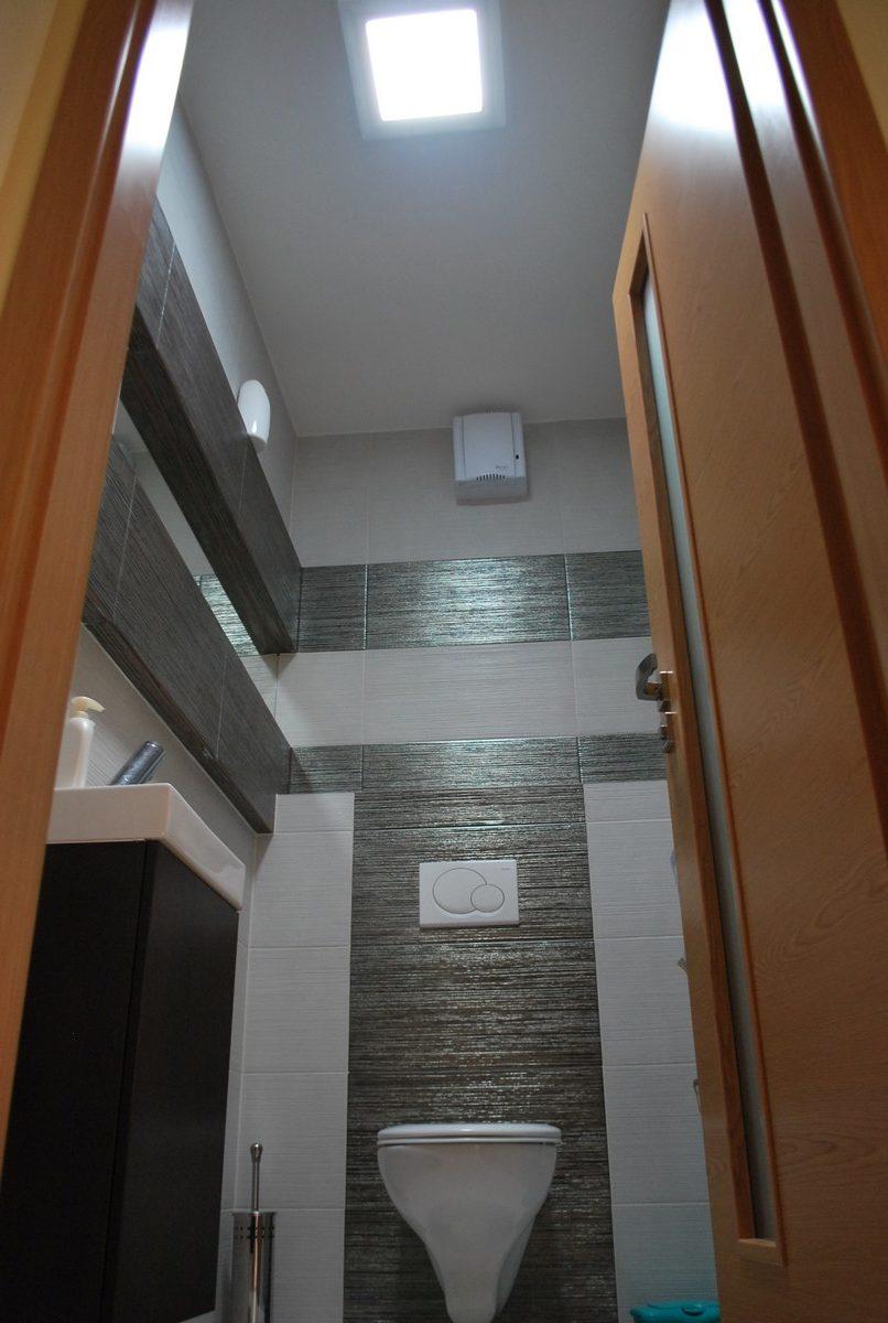 Presvetlenie záchodu v byte svetlovodom Sunway