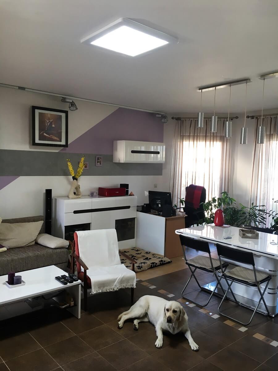 Presvetlenie obývačky svetlovodom Sunway v rodinnom dome