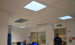Vďaka svetlovodom Sunway sme presvetlili laboratóriá a kancelárie