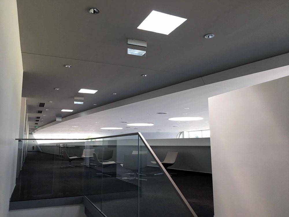 Presvetlenie showroomu Audi svetlovodmi Sunway